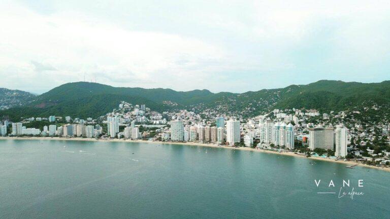 Acapulco - Vane la Alpaca