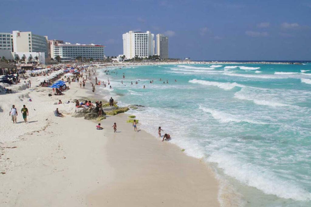 Playa de Chac Mool Cancun