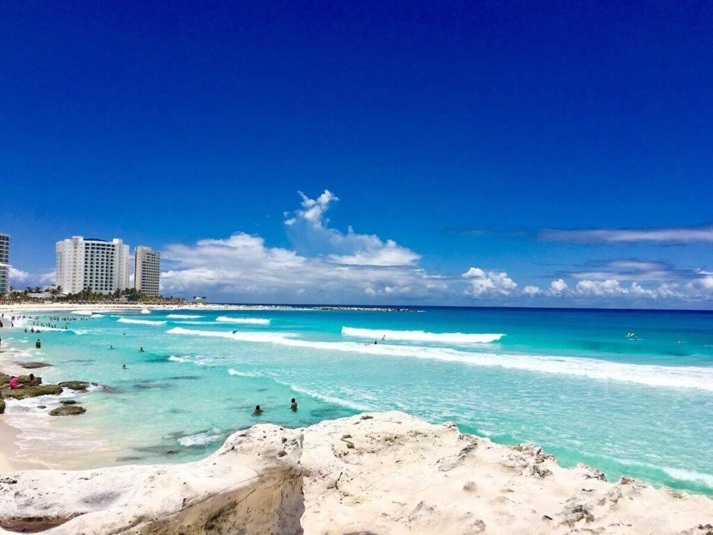 Playa de la Gaviota Azul Cancun